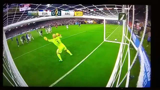 ¡Gracias vida por permitirnos vivir las genialidades del D10S Messi! https://t.co/GIv9SJsVD6