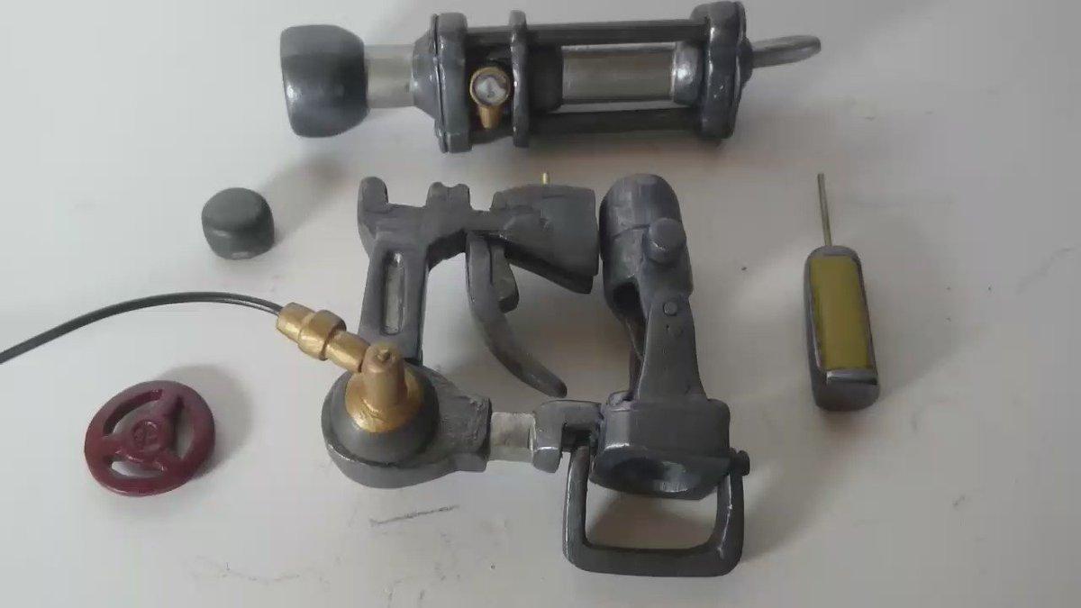 手のひらツラヌキ筒組み上げ。11話も楽しみ! #kabaneri