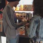 (video) Louis meeting with a fan today! (6/24) https://t.co/vZLxQHZYx7