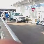 😍🙌💃👀RT@WordOnRd: Drake arriving to Lanseria Airport in South Africa today. https://t.co/qAbMXiFObm