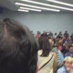 @ricardorossello informa que los bomberos han ordenado desalojar el salon. El Presidente del PNP participará afuera. https://t.co/iID88KjnU2