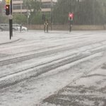 Centre of Cambridge about 45 mins ago. #hail #cambridge https://t.co/mpb5qidjLX