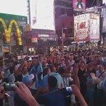 Pintó el himno y el Times Square se pone celeste y blanco junto a la selección argentina en Nueva York https://t.co/AIaovFrs61