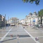 Place de la Comédie à #Montpellier à tout moment de la journée ou de la nuit ! #webcam montpellier.fr @saurel2014 https://t.co/0o7naxTQbI