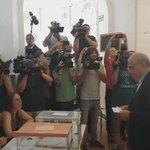 Fernández Díaz vota sin grandes sobresaltos en Barcelona. Una votante pide su dimisión al salir del colegio. https://t.co/ntqvfne9s8