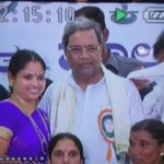 """panchayat member kissed CM Siddaramaiah at public meeting.she said """"he is like my father,in excitement kissed him"""". https://t.co/LocOmkbYhh"""