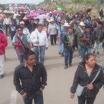 Avanza marcha pacífica de la supercarretera al centro de Nochixtlán, #Oaxaca Imagen: @jj_cortes https://t.co/WhT3m3LCud