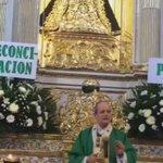 Arzobispo #Oaxaca @ChavezBotello encabeza misa dominical,en basílica d la Soledad por la paz y reconciliación dl Edo https://t.co/BE9BxaGDqY