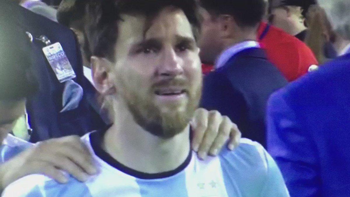 Jamás había visto así a Messi. https://t.co/PNLERK94Bs