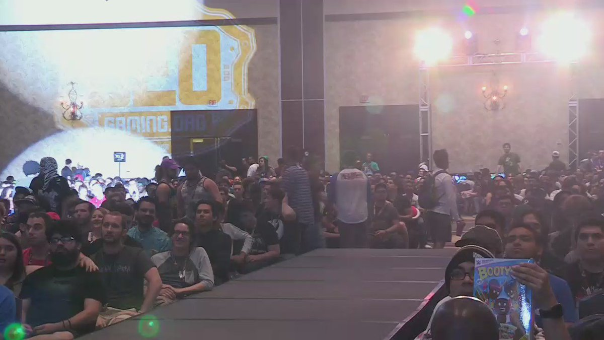 One of the best entrances into the Top 8 Ring for #CEO2016. I knew he would be excellent. @Anti @CEOGaming https://t.co/6wSN05xCNW