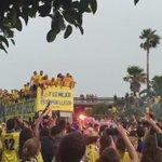 """Espectacular entrada en la Ciudad del equipo. La afición corea """"Güiza"""" y se canta el """"me han dicho que el amarillo"""" https://t.co/qUCsA3wM8n"""