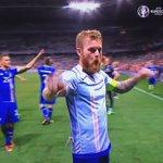 Lo sport più bello del mondo.  [#Isl #Iceland via #Skysport @leleadani #Euro2016 #InghilterraIslanda #Islanda] https://t.co/RwzXfoG99b