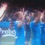 Reacción selección Islandia tras eliminar Inglaterra de Euro me hace sentir islandés. Qué cracks Vía @Mamen_Hidalgo https://t.co/T3xgpvJ4XR