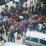 Este #30JunUnidosPorVzla hagamos una protesta pacífica contra el régimen como esta, en todas las plazas de Vzla🇻🇪 https://t.co/cMJ1PeuwLN