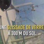 Cest la nouvelle attraction populaire à Los Angeles : la « skyslide » https://t.co/W5o2QCEF1k