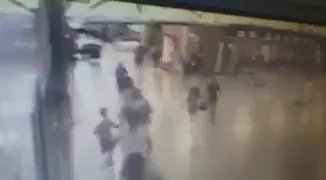 BREAKING: #Security video shows suicide bomber exploding himself at #AtaturkAirport https://t.co/rsjzmCXbly https://t.co/kkLLANlqOa