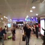 #VIDEOS | Así vivieron las personas el atentado en aeropuerto de Estambul. Cc: @Hokumuss https://t.co/qVrWBbd4lM https://t.co/ROAZJJGGbM