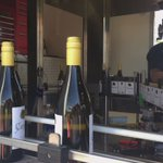 Bottling day at @CamelotVineyard. #pinotgris #fabfive #getwicked https://t.co/GF5ZEKw9iY