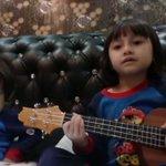 Suasana Hari Raya nyanyian adik Alyssa https://t.co/r2VfQlGgqM