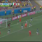 Minuto 92. Robben se tira. Penal a favor de @OnsOranje. Mi reacción como la de @GarciaPosti y @martinolimx. 😫 https://t.co/LeJii4PDOz