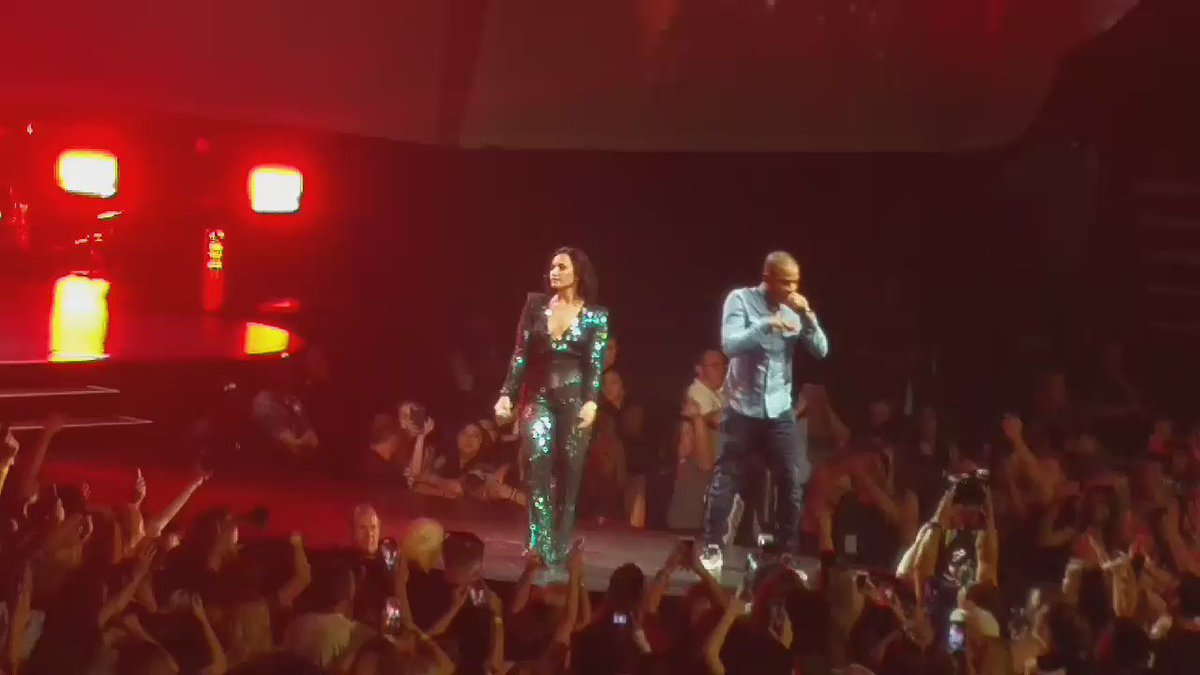.@tip and @ddlovato say Live Your Life! #futurenow https://t.co/brIdhdYoku