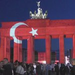 #PrayforTurkey World turns red & white for solidarity with #Istanbul victims (PHOTOS) https://t.co/713nCGfhqD https://t.co/tz2s1amjk5