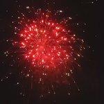 Fireworks over Somerville tonight...#Merica???????? https://t.co/69Gqe5Y3LA