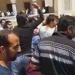 Adanada bir camide Cuma namazı öncesinde kendini patlatacağını söyleyen kişi cemaat tarafından linç edilmek istendi https://t.co/IGqJlklY0F
