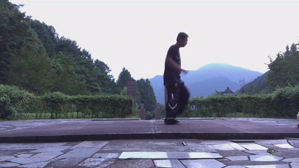 今日のシャッフル練習。出来得る全スタイル #メルボルンシャッフル #カッティングシェイプス #シャッフルダンス #ダンス #dance #ダンス #hardstyle #edm #踊ってみろ https://t.co/N7AOl158Jj