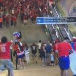 Notable video que me enviaron de salida de hinchas Chilenos de estadio Metlife post final. Chile BICAMPEÓN. https://t.co/gW8Huhnjrm