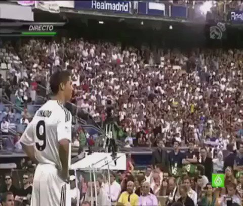 On this day in 2009, Real Madrid signed their soon to be top scorer Cristiano Ronaldo. The rest is history. https://t.co/It3kzl7Y8U
