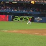 Making his MLB pitching debut, Ryan Goins. #BlueJays https://t.co/lQbkGy9ywk