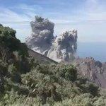 Usuaria captó el momento justo de la explosión de hoy del volcán Santiaguito. Vía Facebook: Betel Ramirez Matute. https://t.co/jOM7T2JQNl