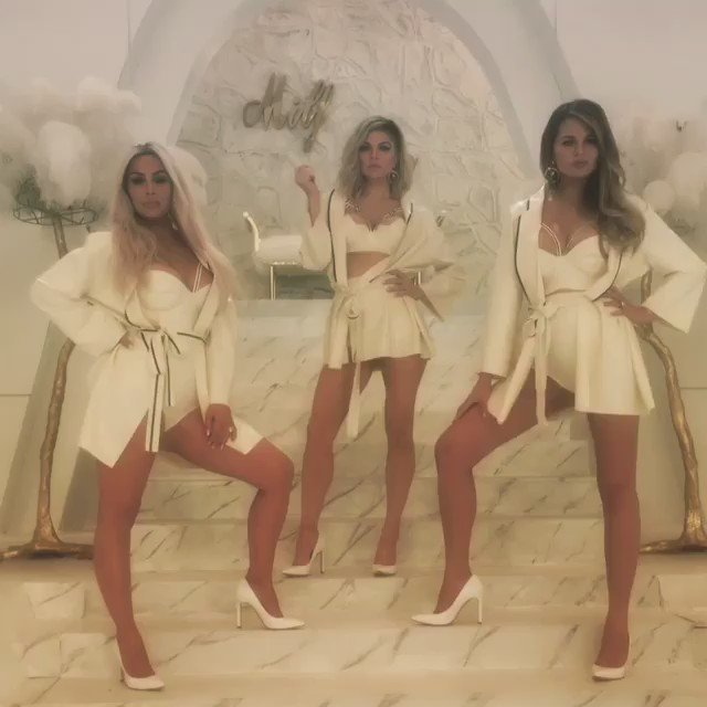 Dayyyuuuummmmmmmm these MILFS look sooooo good @fergie @kimkardashian @chrissyteigen !!!  #MilfMoney ???? https://t.co/U9PgXbOUkI