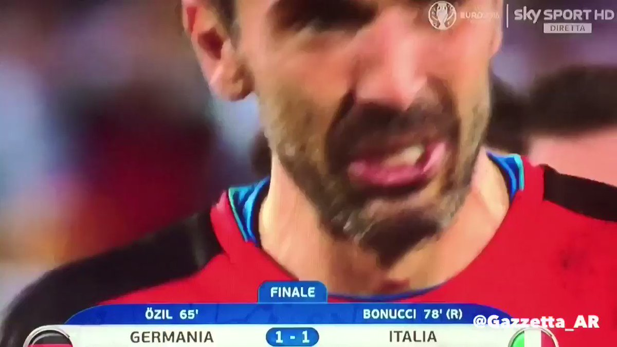دموع بوفون بعد الاقصاء بضربات الترجيح ، في اخر يورو لبوفون كما أعلن مسبقاً .  شكراً بوفون