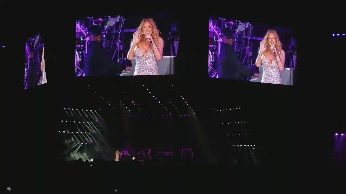 WOW! Safe to say @MariahCarey's still got them pipes! SAAANG, Mimi! #EssenceFest #MariahCarey #Emotions https://t.co/QLr6pngRGM