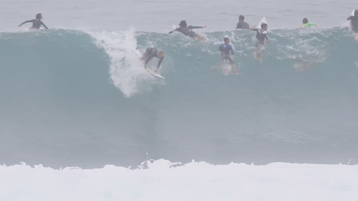 Watch as John John bags a handful of rides that would be the 'waves of a lifetime' for us mere mortals @chaddy_witcz https://t.co/1TAGZWSxC1