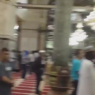 تكبيرات العيد من المسجد الاقصى المبارك  كل عام وانتم بخير https://t.co/XaJ2E4jaoW