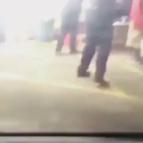 37-Year Old Alton Sterling of Baton Rouge killed by police for selling CD's in front of store! No taser was used https://t.co/mllwCyDxRA