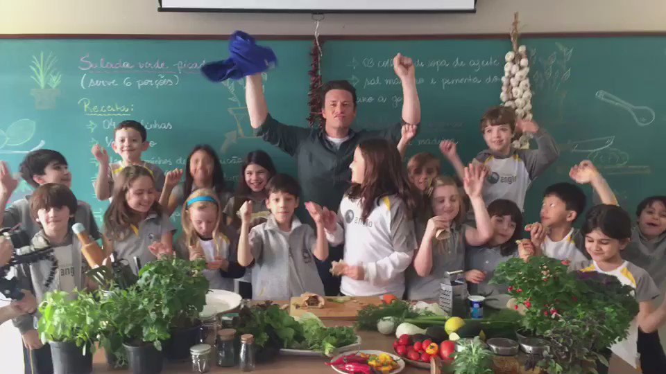 Cooking up with kids at Anglo 21 #foodrevolution ???????? https://t.co/AKPSvJPOj6