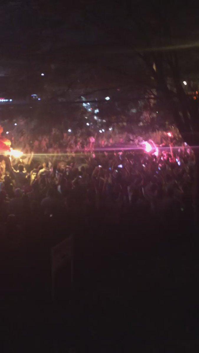 Torcida do São Paulo canta o hino do clube https://t.co/6b8Fr3tts4
