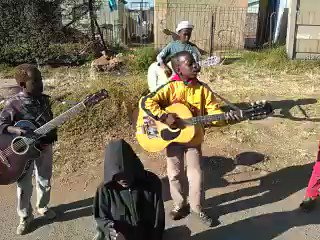 Akekho ozobona #YoungTalent https://t.co/wSuwKm1BYF