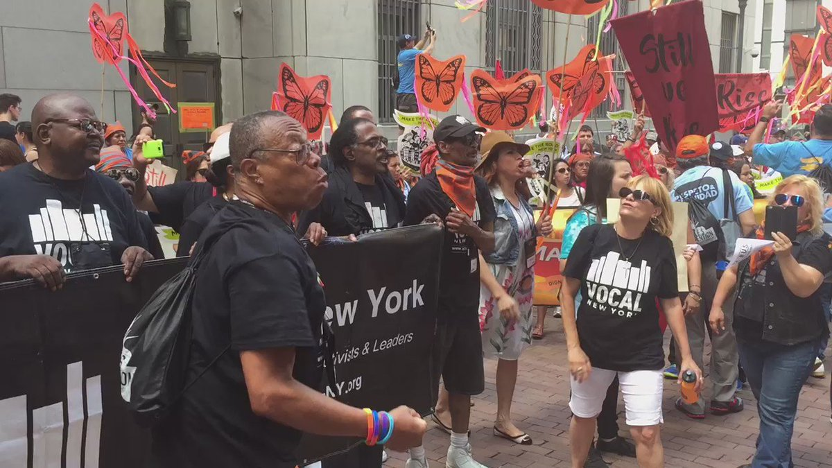 We stand with our undocumented brothers and sisters - No More Deportation! #PeoplesConvention https://t.co/n0ChOhZ3QQ