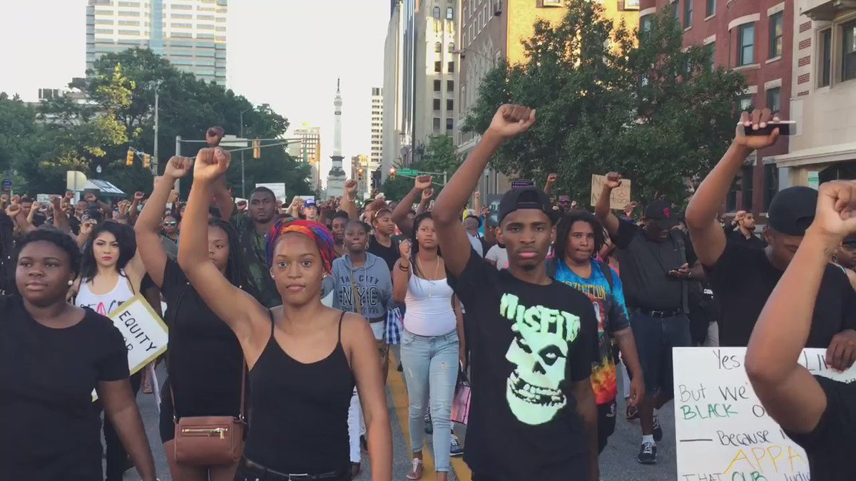Black Lives Matter silently protest in Indianapolis.  https://t.co/7r4y8jFcoU