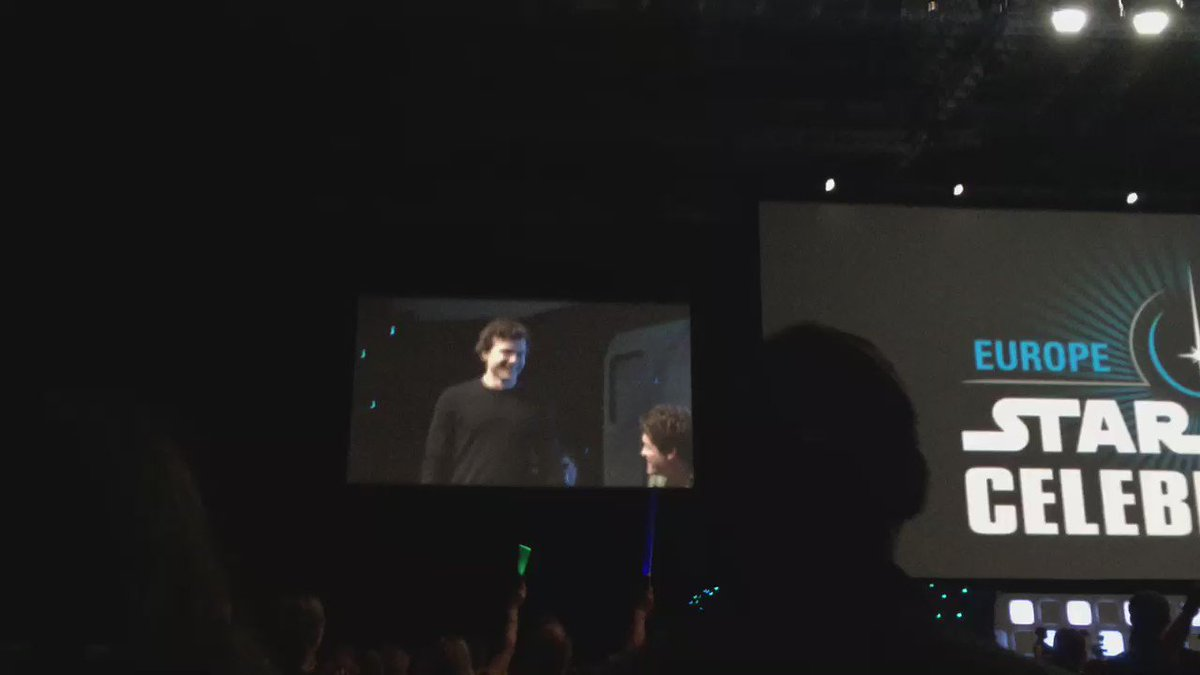Watch: Alden Ehrenreich take the stage for the first time after being announced as the new #HanSolo #SWCE https://t.co/92HzG8eVj8