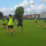 📹 | Intensidad y ejercicios a campo reducido en la sesión de entrenamiento vespertina en La Albericia https://t.co/pFwXZBZgfZ