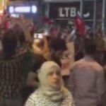 Darbeye karşı Taksime çıkan halk, Efendimiz (s.a.v) ve Sahabelerin (a.s) Mekkeyi fethinde söylediği marşı okuyor. https://t.co/c8AeGeuWI4