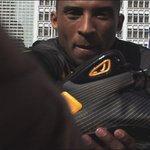 Remember when Kobe jumped over an Aston Martin in 2008? The original Nike Hyperdunk is back (via @nikebasketball) https://t.co/Op0bGufCUs