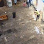 @irisbanuelos @Antoniorochape amiga, agua por todos lados en plaza mayor https://t.co/Hj9l4cWk8K