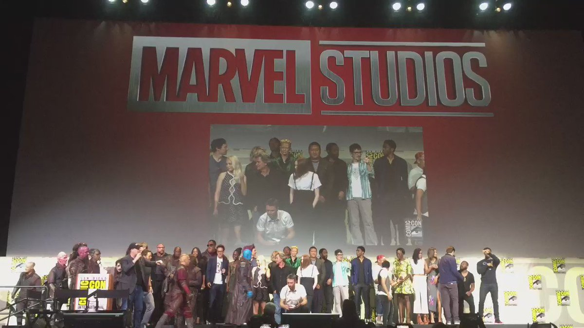 Watch the Hall H crowd freak out as @brielarson is announced as #CaptainMarvel https://t.co/fDMvgLA1ym